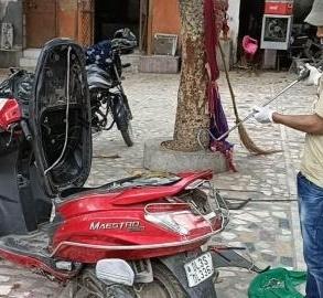 Cobra snake found inside scooter