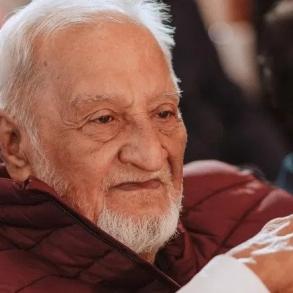 Gauahar Khan's father